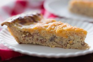 Easy Apple Caramelized Onion & Bacon Quiche Recipe. Made with our Apple Caramelized Spread. Find this product and more recipes ideas at Spoonabilities.com