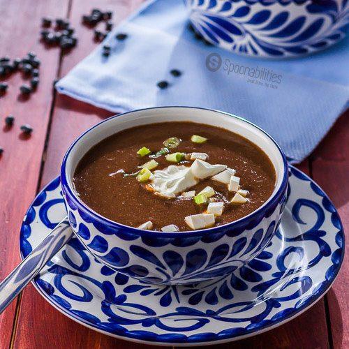 10 minute easy vegetarian black bean soup recipe red pepper salsa forumfinder Gallery